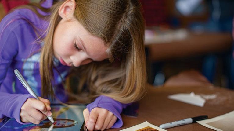La classe immersive propose des ateliers répondant aux besoins de l'apprentissage des connaissances du 21e siècle.