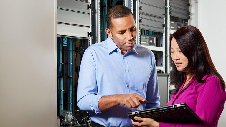 • Configura tus dispositivos atreves un pendrive o por WIFI<br /><br />• Eliminar la necesidad de un servidor para Directorio Activo